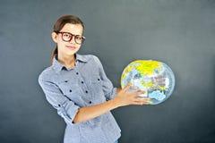 Muchacha del adolescente con la camisa azul Fotos de archivo libres de regalías