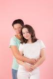 Muchacha del adolescente con la mamá Fotografía de archivo libre de regalías