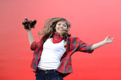 Muchacha del adolescente con la película vieja Fotos de archivo
