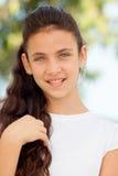 Muchacha del adolescente con la sonrisa de los ojos azules Imagen de archivo