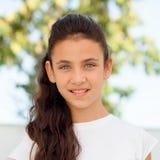 Muchacha del adolescente con la sonrisa de los ojos azules Fotografía de archivo libre de regalías