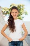 Muchacha del adolescente con la sonrisa de los ojos azules Foto de archivo