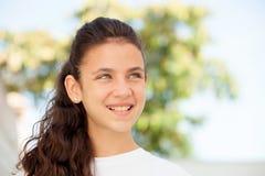 Muchacha del adolescente con la sonrisa de los ojos azules Foto de archivo libre de regalías