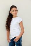 Muchacha del adolescente con la sonrisa de los ojos azules Imagenes de archivo