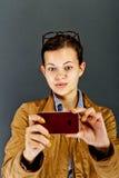 Muchacha del adolescente que hace una foto Foto de archivo libre de regalías