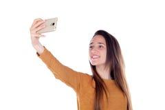 Muchacha del adolescente que toma un selfie con su móvil Fotos de archivo