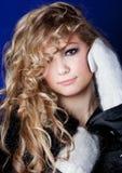 Muchacha del aspecto eslavo con un pelo justo largo foto de archivo