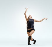 Muchacha del bailarín en actitud Imagenes de archivo