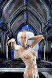 Muchacha del Cyberpunk y estación espacial libre illustration