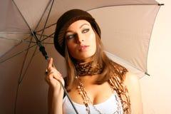 Muchacha del encanto con el paraguas Fotos de archivo libres de regalías