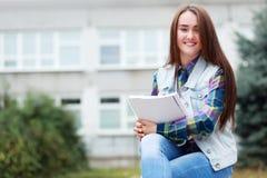 Muchacha del estudiante Fotos de archivo libres de regalías