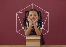 Muchacha del estudiante en la tabla contra la pizarra roja con la escuela y el gráfico de la educación stock de ilustración