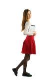 Muchacha del estudiante que usa la PC de la tableta Imagen de archivo libre de regalías