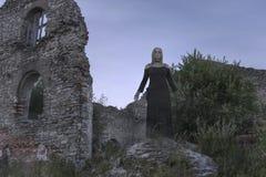 Muchacha del fantasma en ruinas fotos de archivo