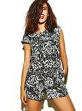 Muchacha del inconformista de la moda en ropa elegante del verano Imagen de archivo