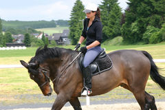 Muchacha del montar a caballo Fotos de archivo