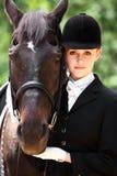 Muchacha del montar a caballo de lomo de caballo Imágenes de archivo libres de regalías