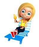 Muchacha del niño con la silla de playa y Juice Glass Imagenes de archivo