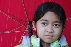 Muchacha del paraguas Fotografía de archivo