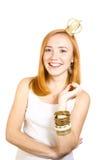 Muchacha del Redhead con la sonrisa de la corona Fotografía de archivo