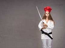 Muchacha del restaurante de sushi lista para el trabajo fotografía de archivo