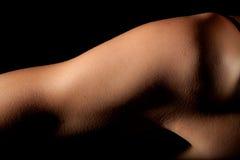 Muchacha deportiva del hombro del brazo superior imagenes de archivo