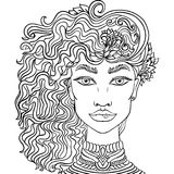 Muchacha dibujada mano del garabato en el fondo blanco Retrato para mujer para el libro de colorear adulto libre illustration