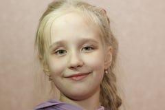 Muchacha divertida agradable del adolescente Fotografía de archivo libre de regalías