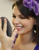 Muchacha divertida con las barbas del gato fotos de archivo libres de regalías