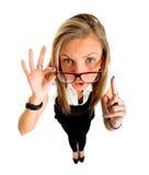 Muchacha divertida del businessl que destaca, retrato de la lente de ojo de pescados Imagen de archivo libre de regalías