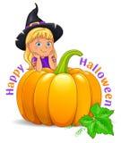 Muchacha divertida del feliz Halloween en sombrero negro con la calabaza stock de ilustración