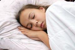Muchacha durmiente del preadolescente Imágenes de archivo libres de regalías
