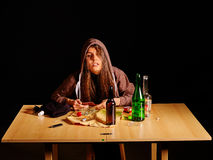 Muchacha en alcohol de consumición de la depresión Malos hábitos Fotografía de archivo
