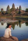 Muchacha en Angkor Wat Fotografía de archivo