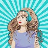 Muchacha en auriculares con el pelo largo que escucha la música ilustración del vector