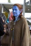 Muchacha en Avatar cosplay Foto de archivo