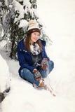 Muchacha en bosque del invierno Fotografía de archivo libre de regalías
