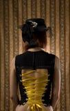 Muchacha en corsé y sombrero de la vendimia con velo Fotos de archivo
