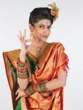 Muchacha en decir de seda de la sari excelente Imagen de archivo