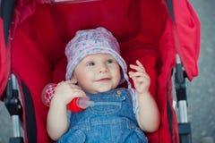 Muchacha en el carro Foto de archivo libre de regalías