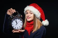 muchacha en el sombrero de santa Fotos de archivo libres de regalías
