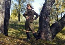 Muchacha en el uniforme del ejército rojo Fotografía de archivo