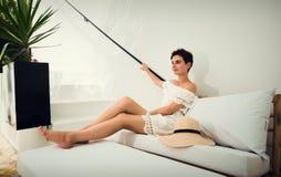 Muchacha en el vestido blanco el vacaciones Viaje túnez Vacaciones Imágenes de archivo libres de regalías