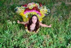 Muchacha en el vestido del firebird de flores Fotos de archivo libres de regalías