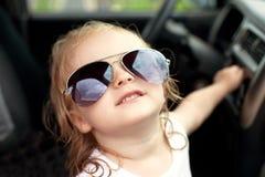 Muchacha en gafas de sol Fotos de archivo libres de regalías