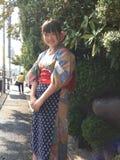 Muchacha en la calle de Kyoto Foto de archivo libre de regalías