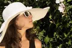 Muchacha en la moda del verano Imagen de archivo libre de regalías