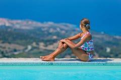 Muchacha en la piscina Imagen de archivo
