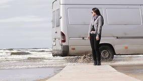 Muchacha en la playa Fotos de archivo libres de regalías