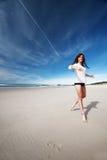 Muchacha en la playa Fotos de archivo